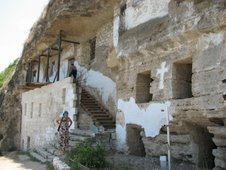 Manastirea rupestra Tipova, pe apa Nistrului