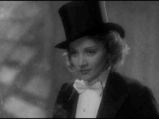 Marlene Dietrich, que no ocultaba sus affairs con mujeres y con hombres.... hasta que algún productor dijo basta