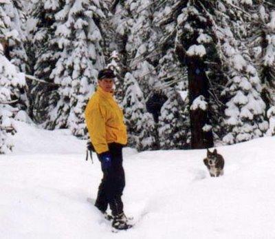 Image of Muki and Paul snowshoeing