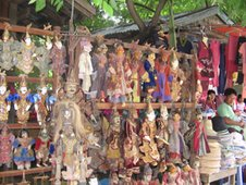 Marionet market