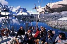 Almorzando en cubierta
