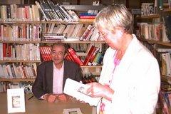 Séance de dédicace à la bibliothèque de Vémars
