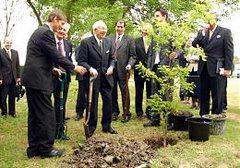 G/Elm Dedication May 2004