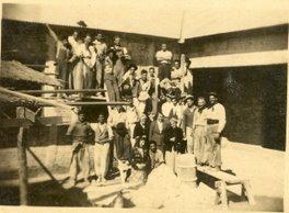 Construcción de la escuela.