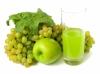 Un genuino succo di frutta a base di uva bianca e mela verde