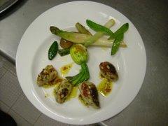 encornets  farcis, fleur de courgette et legumes  sautees