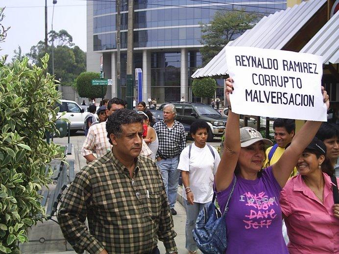 FUERA EL CORRUPTO REYNALDO RAMIREZ