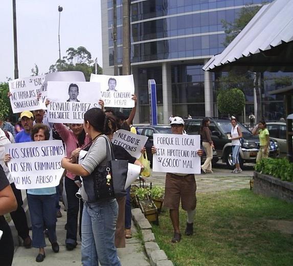 MARCHA EN CONTRA DE REYNALDO RAMIREZ PRESIDENTE ILEGAL
