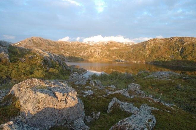 Rørvikvatnet i Skarsfjorden på Ringvassøya