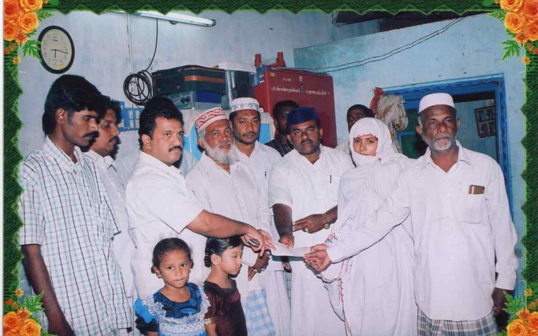Handing over of Cheque for the family of Haja Kuthbudeen of Nagore