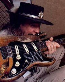 Stevie Ray, gran guitarrista.
