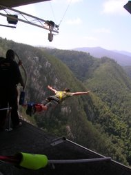 bungy jumping bloukrans bridge south africa