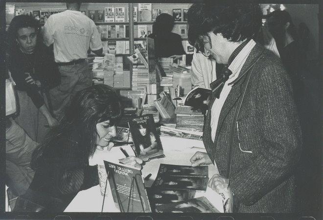 """Feria del Libro. """"Orillas del Mundo"""" Año 1996."""