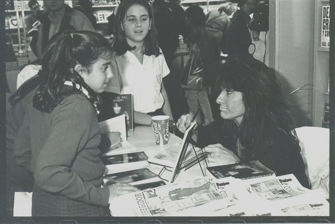 """Feria del Libro. """"Orillas del Mundo"""". Año 1996."""