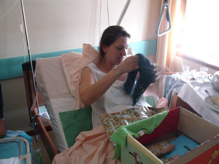 A Mãe com as prendas da Tia