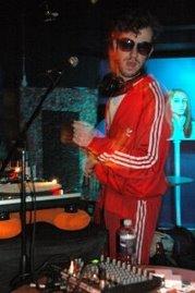 DJ 4thFloor