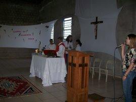 Momento da Santa Missa presidida pelo Pe. Júlio