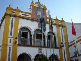 La Sagrada Bandera del Centenario ondea en el Ayuntamiento de Huévar del Aljarafe
