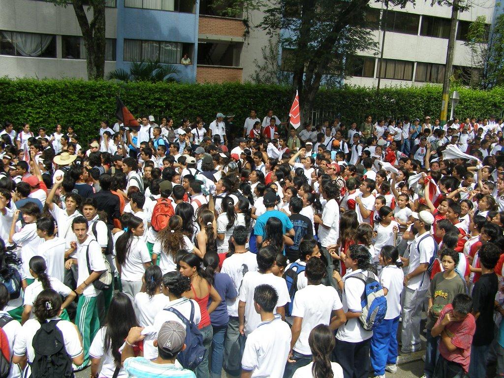 FINALMENTE SE AFinalmente se acabo la apatía estudiantilCABO LA APATIA ESTUDIANTIL
