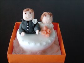 Mini-bolo (casal de noivos)