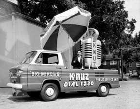 A KNUZ Big Mike Mobil Unit