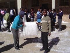 Teamwork at Refeng-Thabo