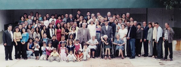 LA GRAN FAMILIA