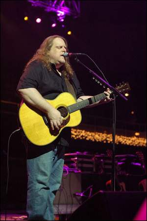 OK, we get it! Warren Haynes of the Allman Brothers Band is from Assville!