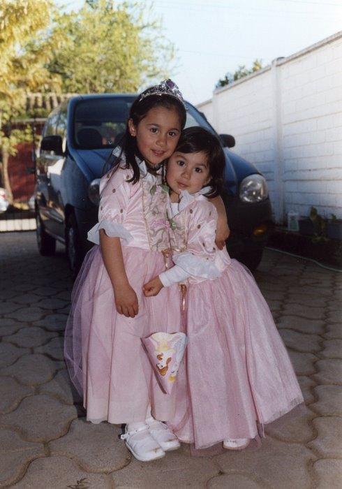 Mis sobrinitas Antonia y Emilia