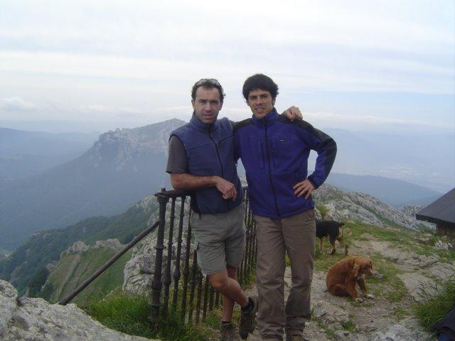 MARTXEL & ROBER KB