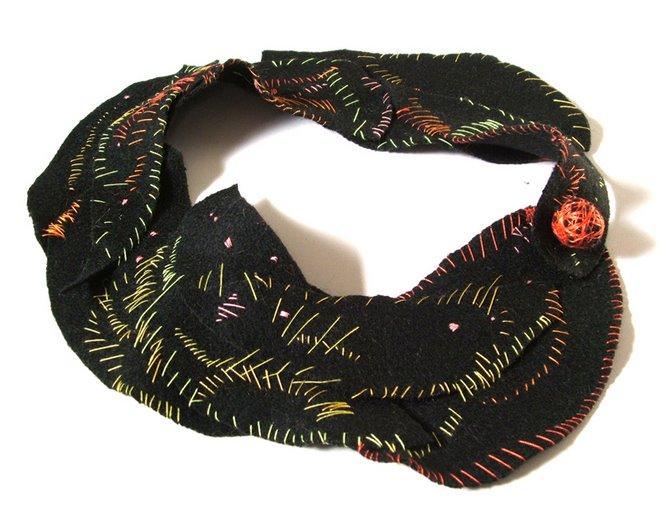 collar bordado 1