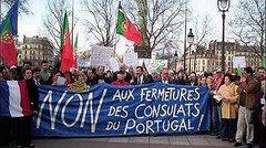 EMIGRANTES PROTESTAM CONTRA O FECHO DE CONSULADOS