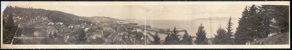 Astoria, Oregon, looking out the mouth of the Columbia River 1914