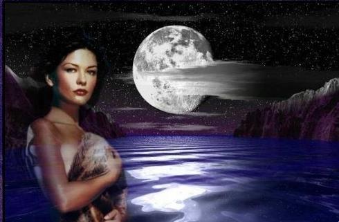 القمر وحده يستطع توصيل الاشواق وفيه تري حبيبك