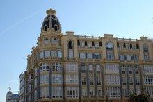 Edificio en plaza de Galicia