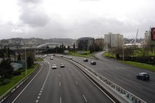 Avenida de Alfonso Molina, al fondo el Coliseum