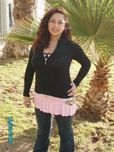 Salinas Flores, Nichols Valeska - Nich_S_F18@hotmail.com
