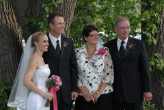 Bride & Groom w/grooms parents