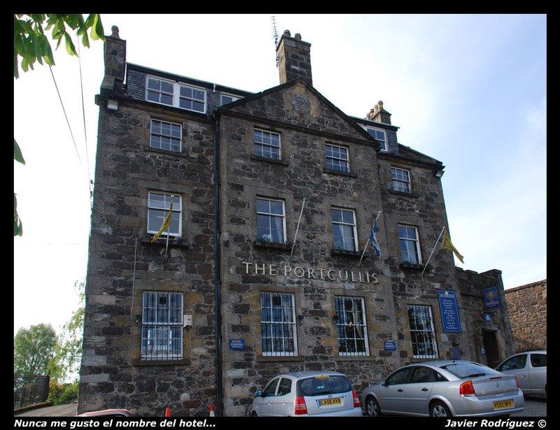 14 Sterling. Hotel (Scotland)