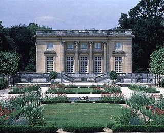 Palaces and Châteaux Petittrianon-Z