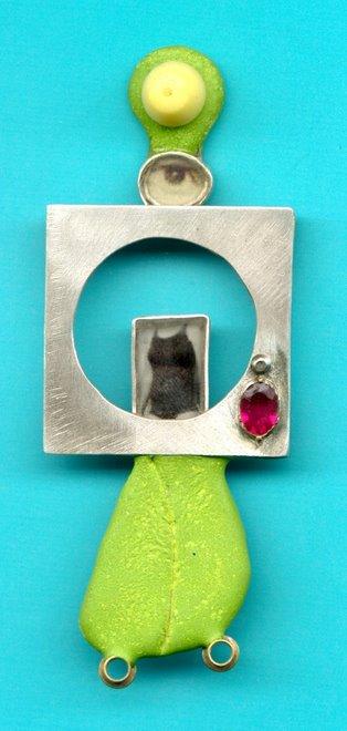 D-2, silver, rubi, foto, e-poxy, plastic