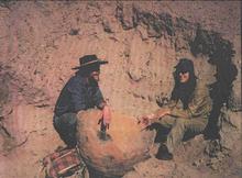 Angastaco (1976) prov. de Salta - haciendo un reconocimiento de la zona arqueológica