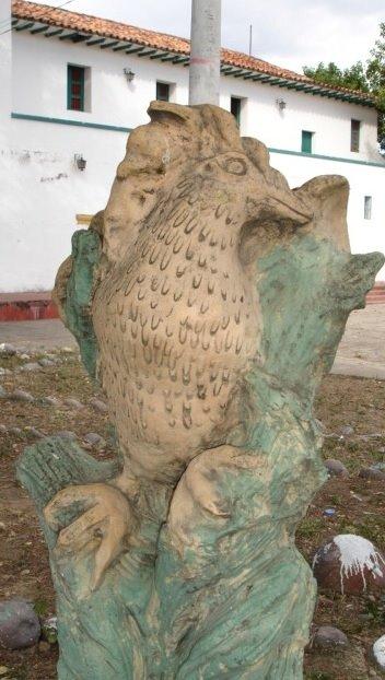 Estacion del Ferrocarril - Esculturas Miticas  del Huila