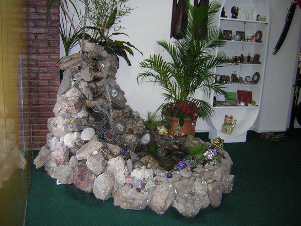 Bioconstrucci n paisajista elfologica para el alma de for Grutas para jardines pequenos