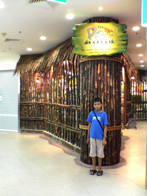 Pet Safari Mall Entrance at EastPpoint Shopping Mall