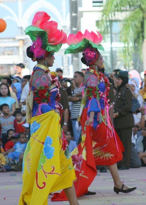 malaysia flora fest 2007 - dancers