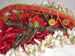 Cruz Pascal (ornamentada a ouro)
