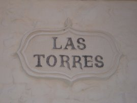 PLACA DE LA CALLE LAS TORRES