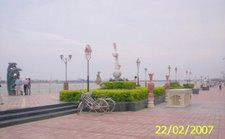 DANANG, quai Bach Dang