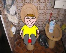 Juan Picote, haciendo caca en mi baño